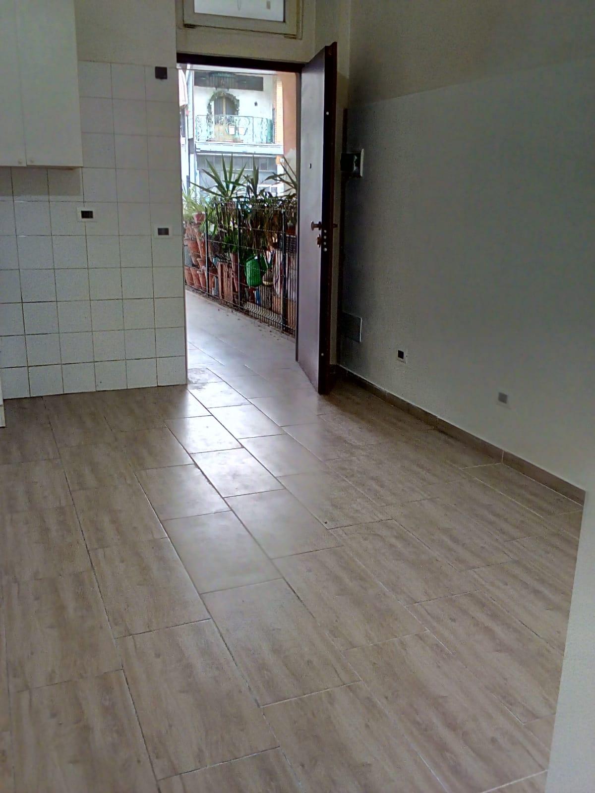 Cinisello Balsamo: ampio monolocale con bagno